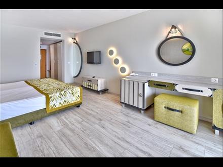 GRIFID HOTEL ENCANTO BEACH 5