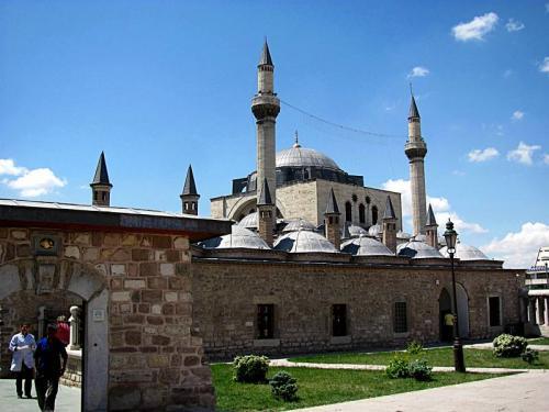 Mausoleul poetului mistic Rumi Mevlana2