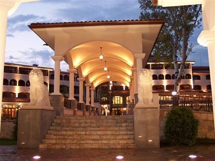 ROYAL PALACE HELENA SANDS2